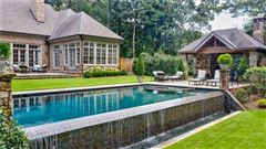 Luxury homes Private estate on 2 beautiful acres