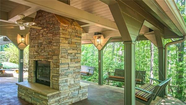Luxury homes An incredible mountain estate in Ellijay