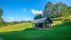 An incredible mountain estate in Ellijay luxury properties