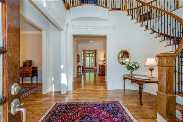 Luxury homes in  Elegant home in the heart of North Buckhead