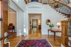 Elegant home in the heart of North Buckhead luxury properties