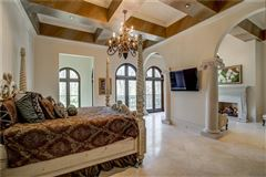 Luxury homes Magnificent estate on almost six acres in Atlanta Georgia