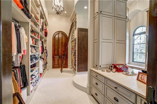 Magnificent estate on almost six acres in Atlanta Georgia luxury properties