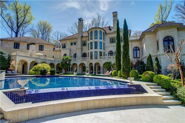 Luxury properties Magnificent estate on almost six acres in Atlanta Georgia