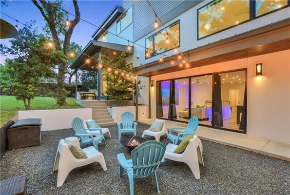 Luxury homes Compound with privacy in Rollingwood