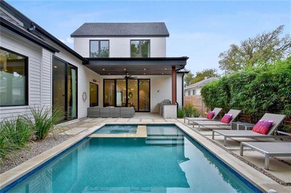 Luxury homes modern Farmhouse near Zilker Park