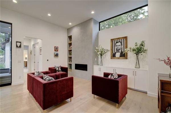 modern Farmhouse near Zilker Park luxury real estate