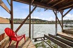 Luxury homes breathtaking Lake Austin waterfront property