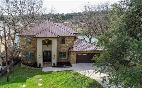 Mansions breathtaking Lake Austin waterfront property
