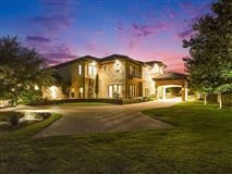 Luxury homes in a stunning home