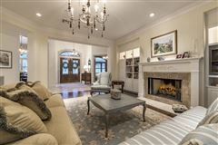 Luxury homes Beautifully-appointed sophistication in austin