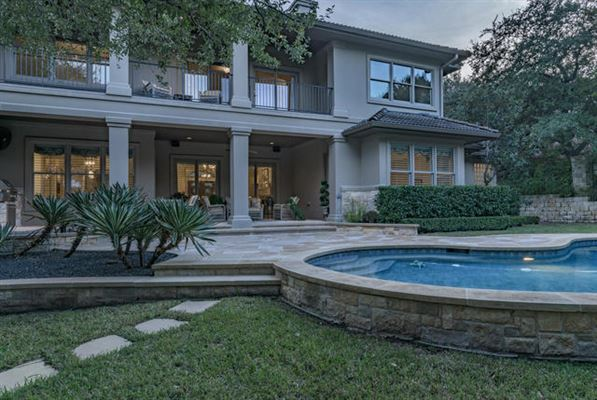 Beautifully-appointed sophistication in austin luxury homes