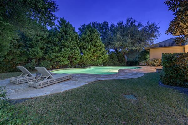 Beautifully-appointed sophistication in austin luxury properties