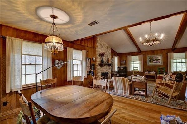 Luxury homes 77-acre ranch rich in history