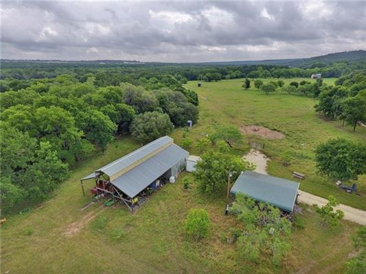 Mansions 77-acre ranch rich in history