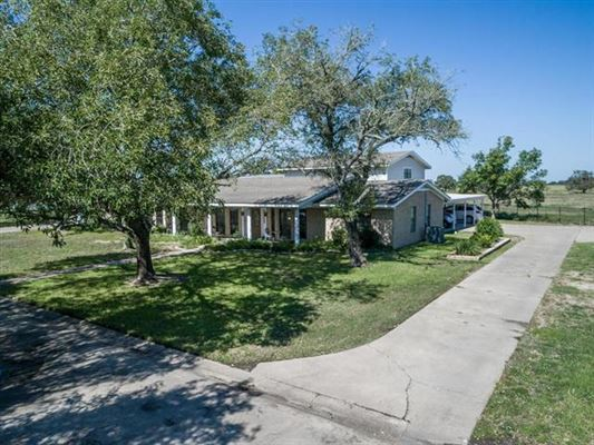 Luxury properties Unique opportunity in Giddings