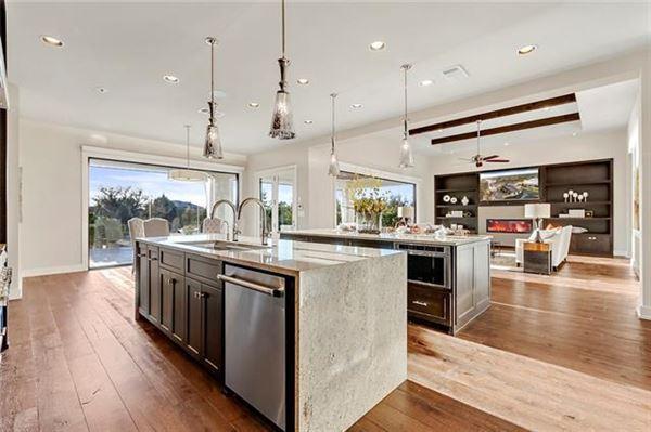 Luxury homes in Stunning, custom contemporary estate