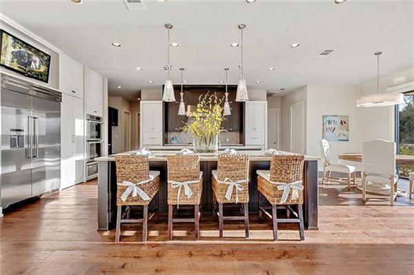 Mansions in Stunning, custom contemporary estate