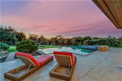 Stunning, custom contemporary estate luxury homes