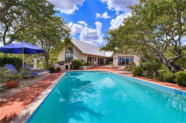 Peaceful home includes a guest house and fire pit luxury homes