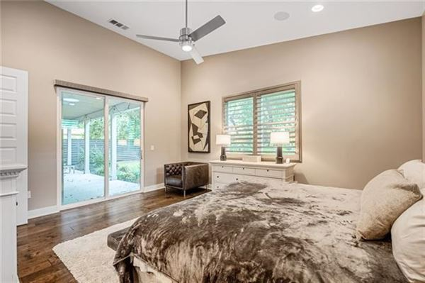 Picturesque home in coveted North Austin luxury real estate