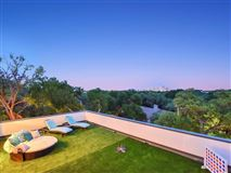 Luxury homes in Impressive home offers AMAZING DOWNTOWN VIEWS