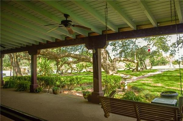 Fascinating property where the San Marcos River meets Plum Creek luxury properties