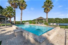 Luxury homes Lake Austin living at its finest