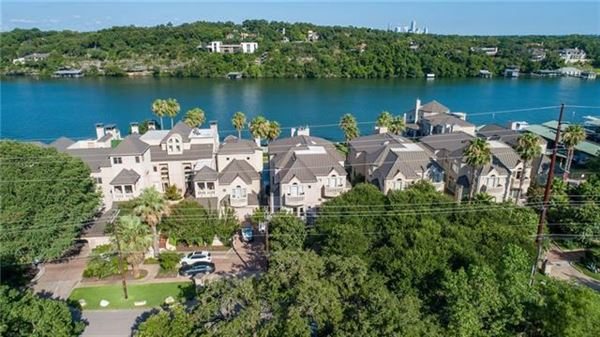 Lake Austin living at its finest mansions