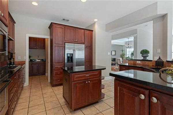 Opportunities abound in this estate property in Tarrytown luxury homes
