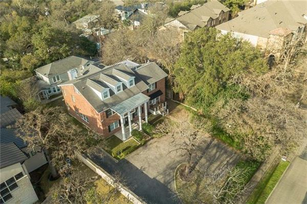 Mansions Opportunities abound in this estate property in Tarrytown
