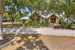 Luxury real estate Peaceful and serene country living