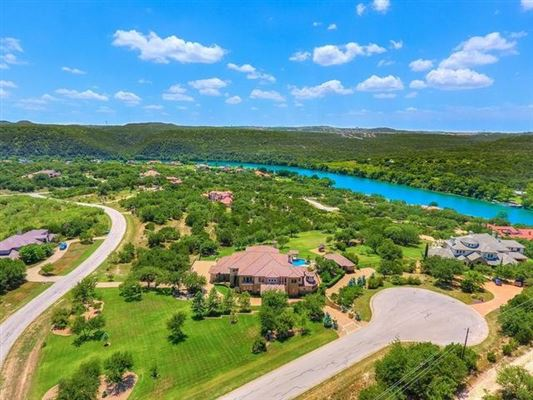 Mansions in Opportunity to own a home in Caslano on Lake Austin