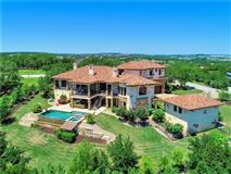 Luxury homes in sophisticated and luxurious retreat
