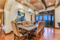 Luxury homes sophisticated and luxurious retreat