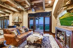 sophisticated and luxurious retreat luxury properties