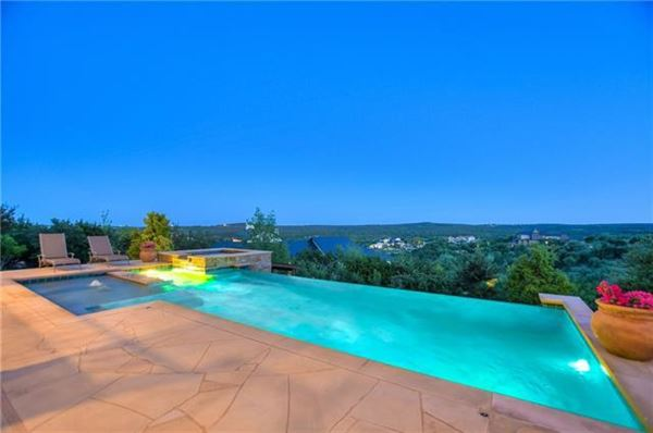 sophisticated and luxurious retreat luxury homes