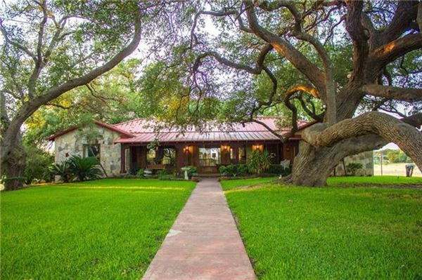 Fascinating property withbeautiful acreage  luxury real estate
