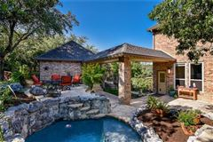 Mansions Gorgeous Hill Country views