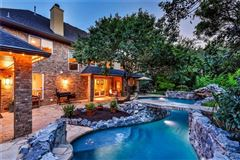 Luxury homes in Gorgeous Hill Country views