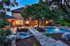 Mansions in Gorgeous Hill Country views