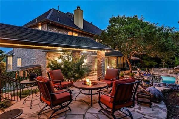 Luxury homes Gorgeous Hill Country views