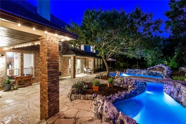 Gorgeous Hill Country views luxury homes