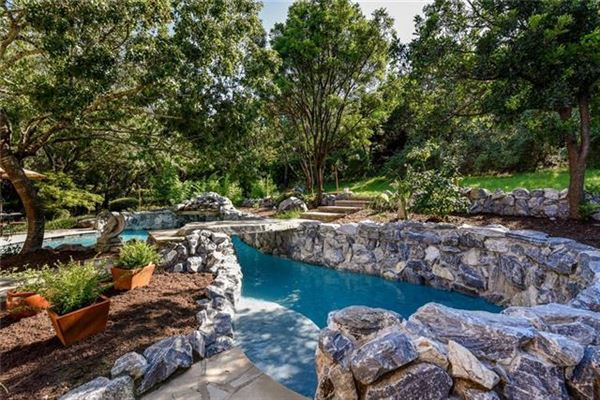 Gorgeous Hill Country views luxury real estate