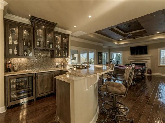 Mansions Custom designed to accentuate stunning Downtown views