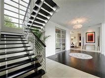 Luxury homes rare contemporary gem