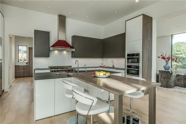 warm and welcoming modern mastery luxury properties