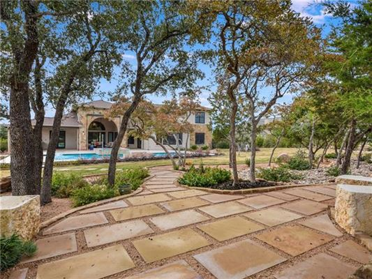 Luxury homes Luxury Home located in Grand Mesa