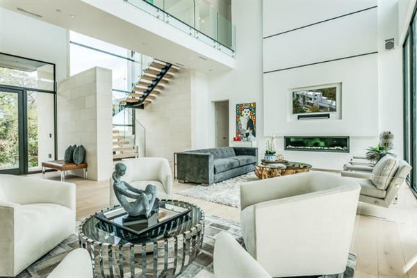 Luxury homes warm and welcoming modern mastery