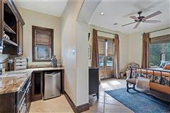 luxury Mediterranean home mansions